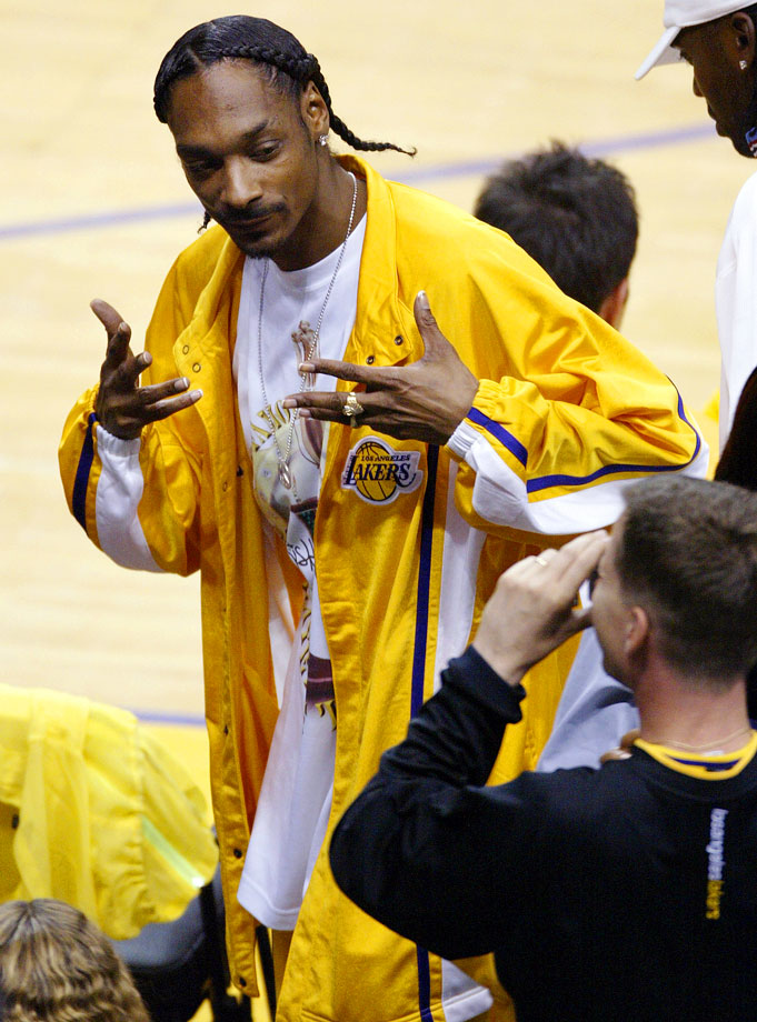Snoop Dogg attends Game Three of the Western Conference Finals between the Minnesota Timberwolves and Los Angeles Lakers on May 25, 2004 at Staples Center in Los Angeles.