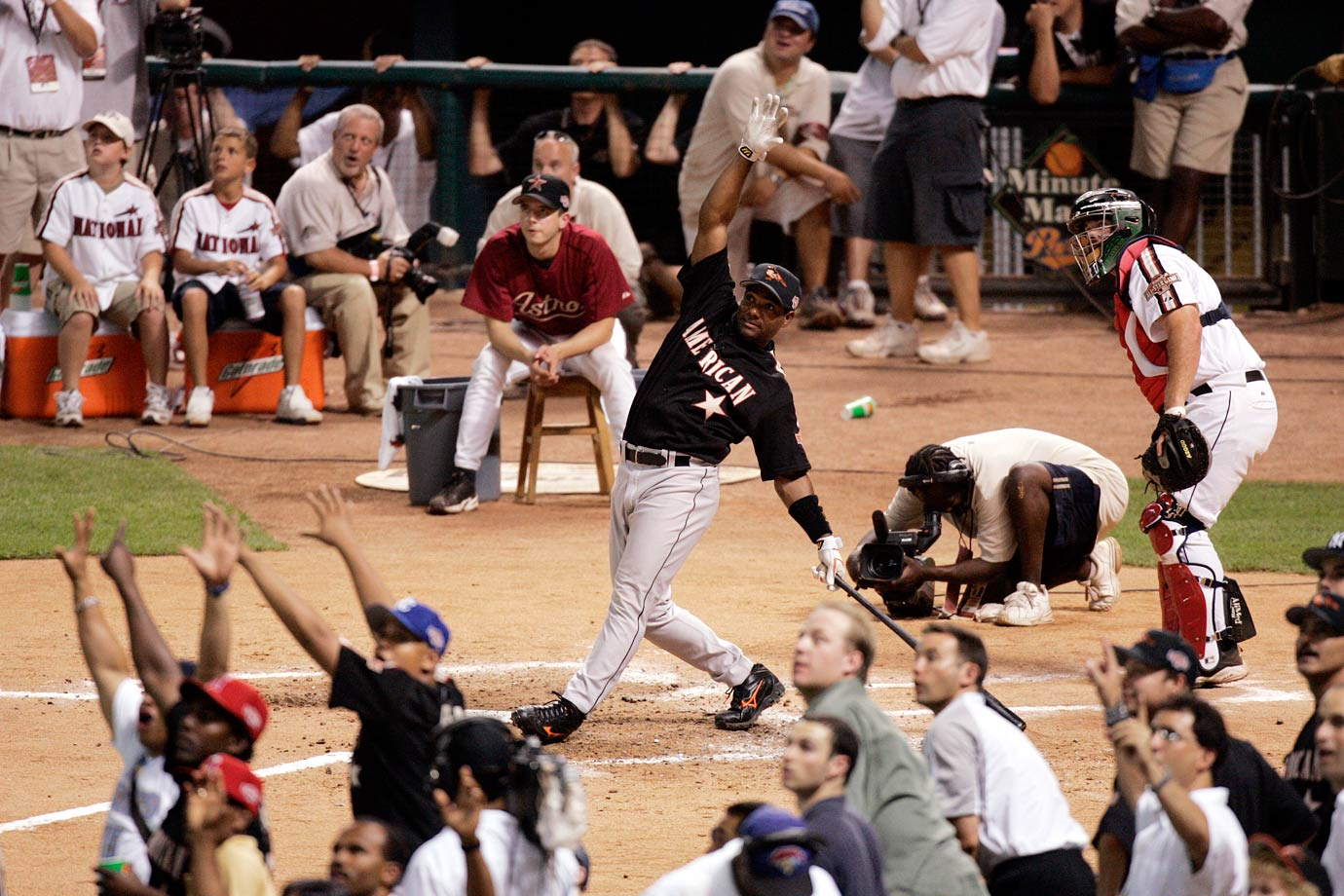 At Minute Maid Park in Houston, Miguel Tejada topped hometown favorite Lance Berkman in the final round with five home runs and an overall total of 27.