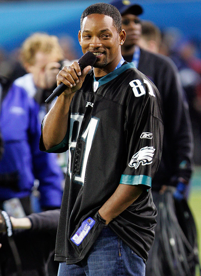 Will Smith was unable to bring any luck to his hometown Eagles as he performs during the pregame of Super Bowl XXXIX between the Patriots and Eagles.
