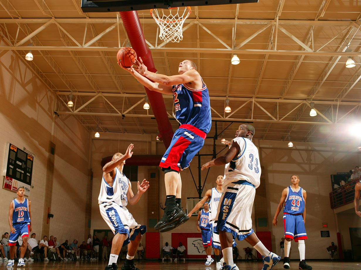 Blake Griffin, doing his thing at Nike Peach Jam.