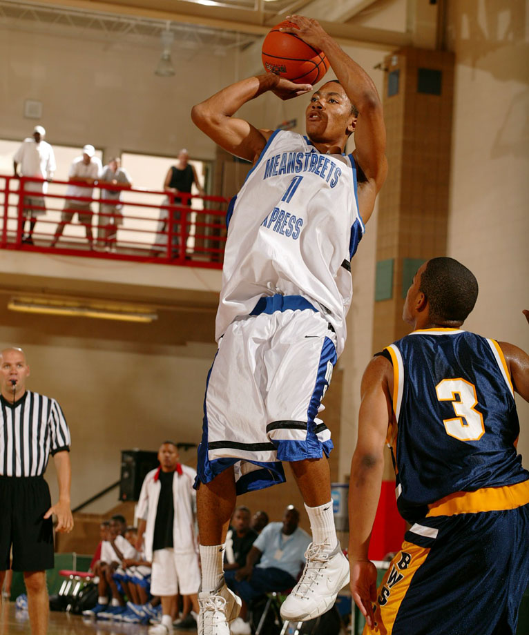 Derrick Rose's numbers jumped from 18.5 points per game to 25.5 from his freshman to senior seasons at Simeon.