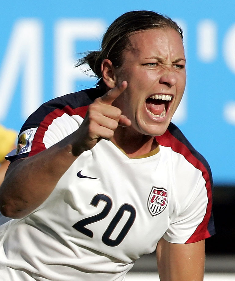 Abby Wambach Nude Photos 35