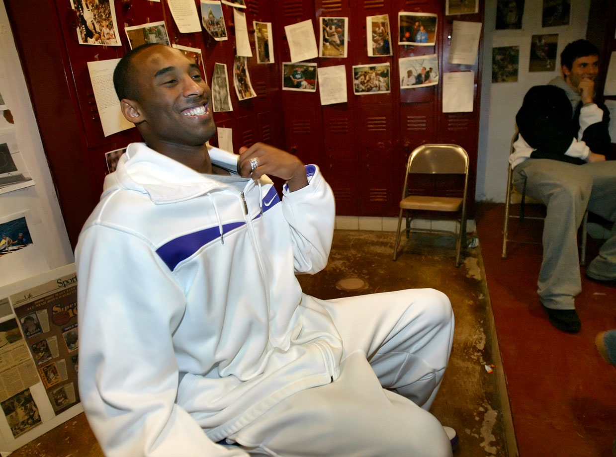 Bryant returned to Lower Merion High in 2007 to enjoy a few laughs.