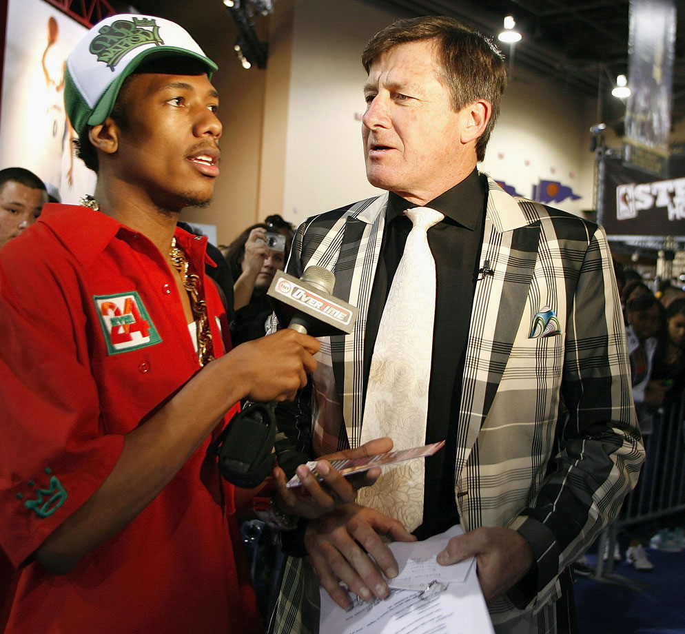 Nick Cannon interviews Craig Sager at Jam Session during NBA All-Star Weekend on Feb. 17, 2007 in Las Vegas.