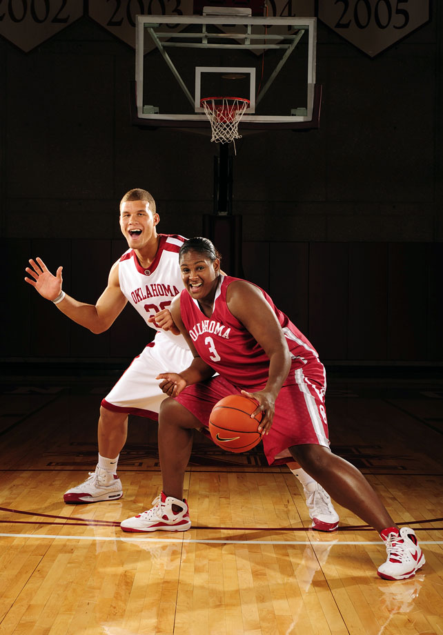 Blake Griffin and then Oklahoma women's star Courtney Paris pose (awkwardly) for SI's 2008 college basketball preview cover.
