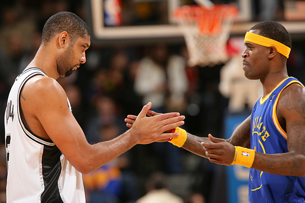 Tim Duncan and Stephen Jackson :: Getty Images