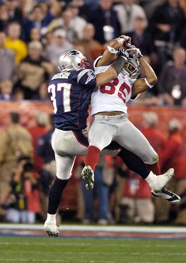 David Tyree's one-handed, helmet-aided catch on 3rd and long revived the Giants' game-winning drive in Super Bowl XLII.