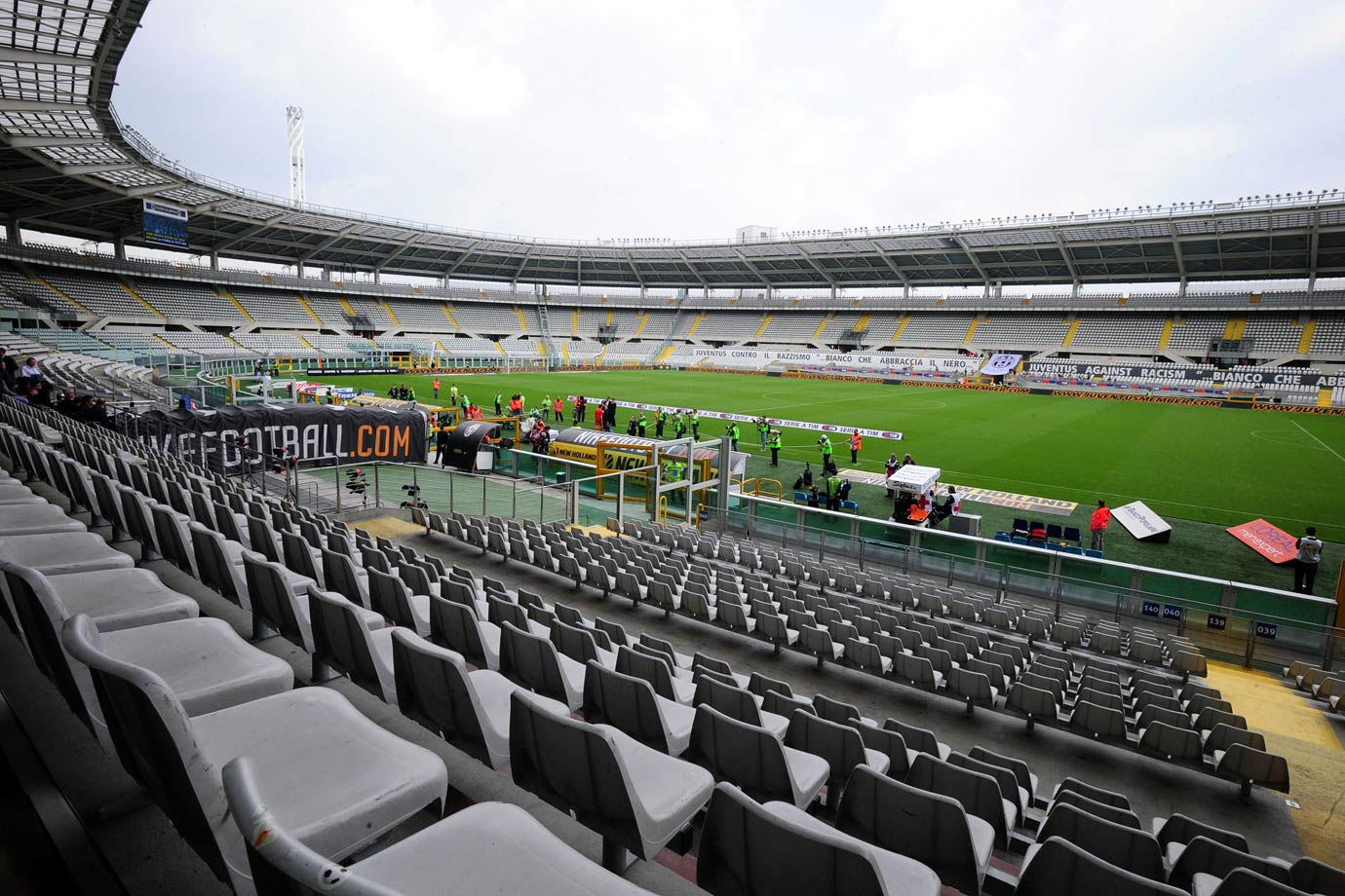 Juventus were ordered to play a home game behind closed doors after their fans had racially abused Inter Milan striker Mario Balotelli during a 1-1 Serie A draw in April 2009. Juventus and Atalanta played to a 2-2 tie.