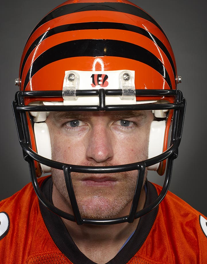 Palmer and the Bengals swept their division for the first time in franchise history in 2009, but lost in the first round of the playoffs to the New York Jets, 24-14.