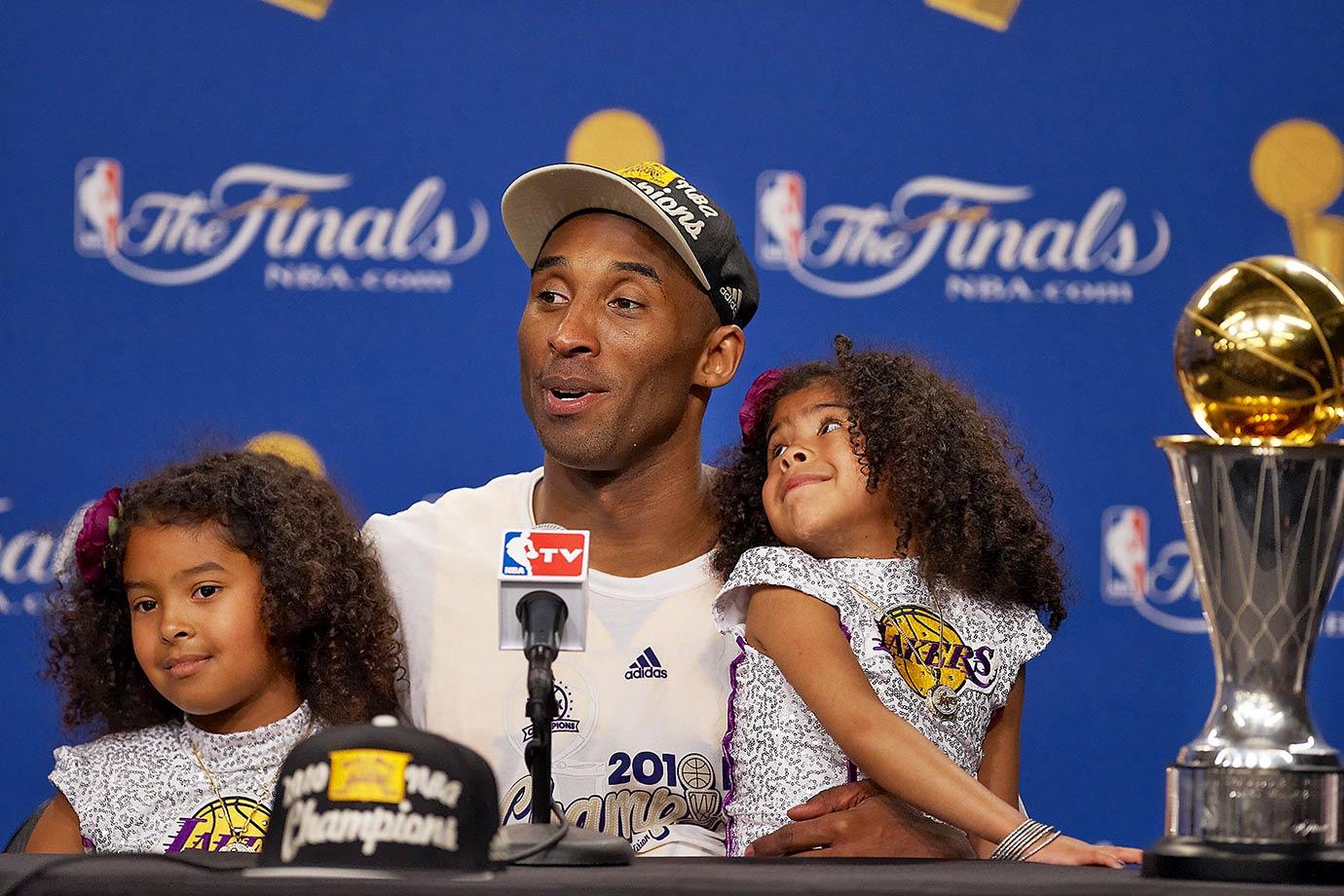 Kobe Bryant and daughters Natalia and Gianna