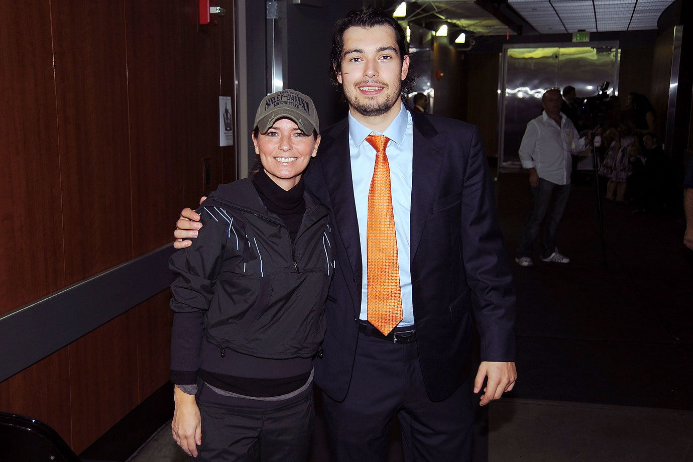 Shania Twain poses with Los Angeles Kings defenseman Drew Doughty after the Kings game against the Nashville Predators on Nov. 6, 2010 at Staples Center in Los Angeles.