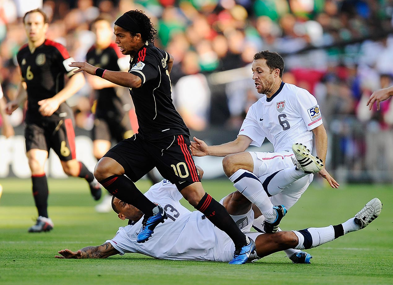 In the Gold Cup final, Mexico captured its second straight title in the battle for CONCACAF bragging rights and secured a berth in the 2013 Confederations Cup. Pablo Barrera scored twice; Giovani Dos Santos and Andres Guardado also had goals. The U.S. was up 2-0 early on Michael Bradley and Landon Donovan goals, but poor defending (partially due to the loss of Steve Cherundolo by injury) doomed the Americans.