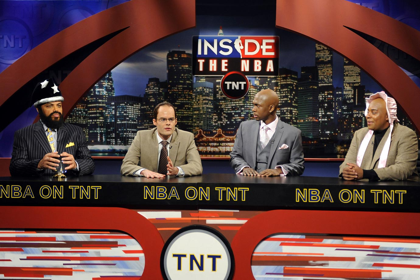 "Charles Barkley appears in a sketch on Saturday Night Live, spoofing ""Inside the NBA,"" the basketball analysis show on which he regularly appears. Rather than play himself in the sketch, Barkley played the role of Shaquille O'Neal, complete with a fake beard while Kenan Thompson filled in the role of the sketch's Barkley."