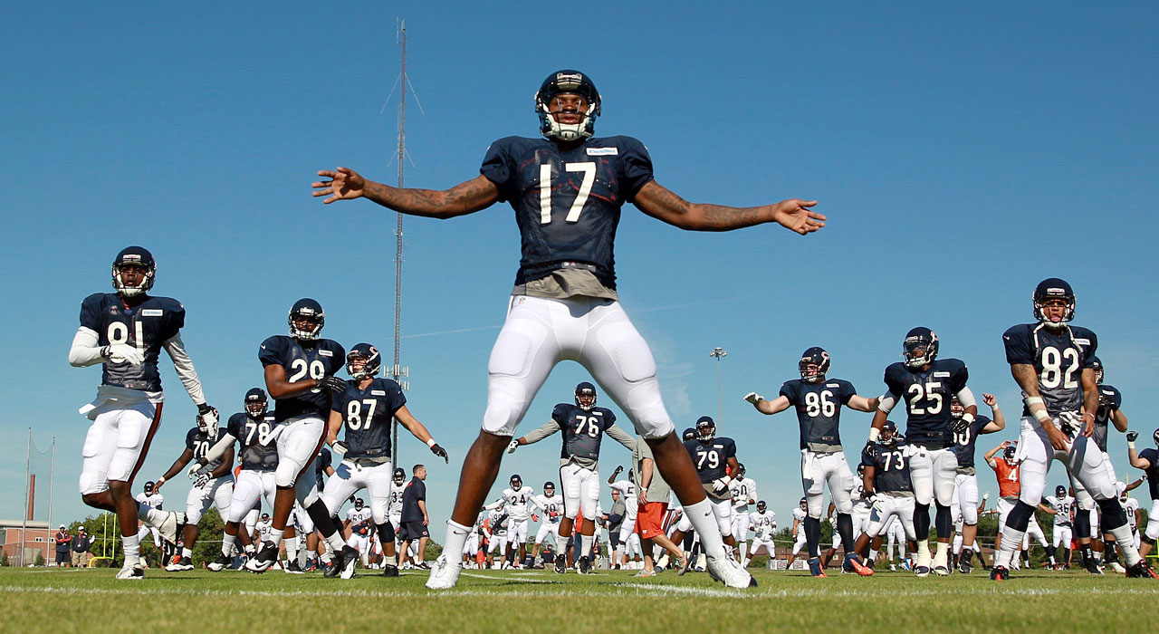 Bears wide receiver Alshon Jeffery stretches prior to practice during training camp at Olivet Nazarene University in Bourbonnais, Ill.