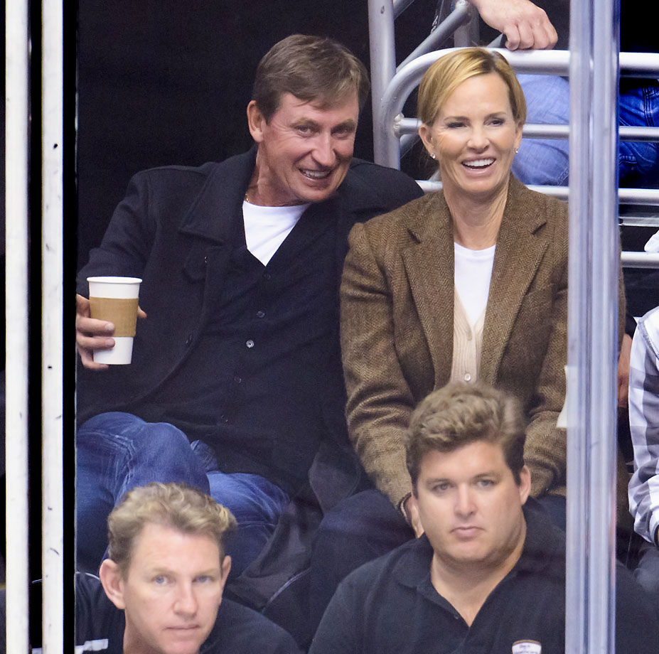 Wayne and Janet take in a Kings game against the Blues at Staples Center in 2013.