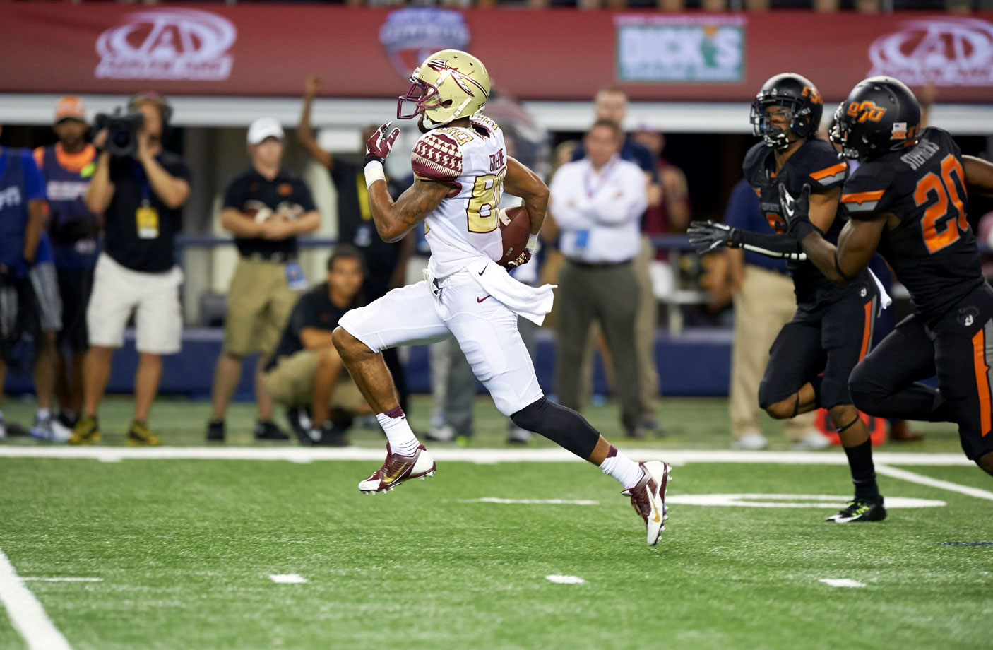 In the first of what would be a season full of tight victories, the Seminoles capitalized on a fourth-quarter fumble by Cowboys quarterback J.W. Walsh to pull away for the win. Rashad Greene shines with 203 yards receiving.