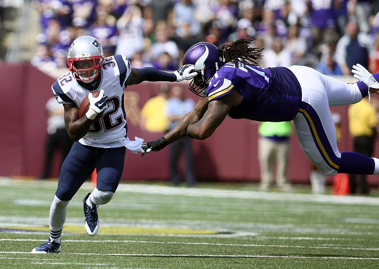 New England's defense and special teams played a huge role in their Week 2 win over the Minnesota Vikings, as the Patriots intercepted Matt Cassel four times and returned a blocked field goal for a touchdown.