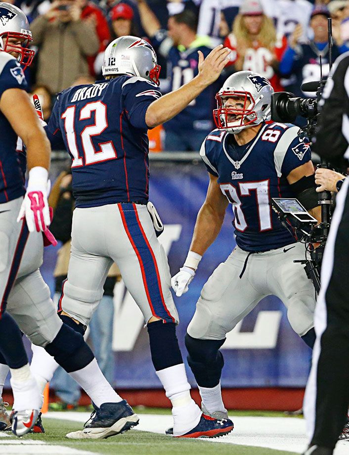 Brady and the Patriots bounced back with a 43-17 drubbing of the Cincinnati Bengals. Brady threw for two touchdowns and 292 yards, Rob Gronkowski had 100 yards receiving and a touchdown and the running game piled up 221 yards.