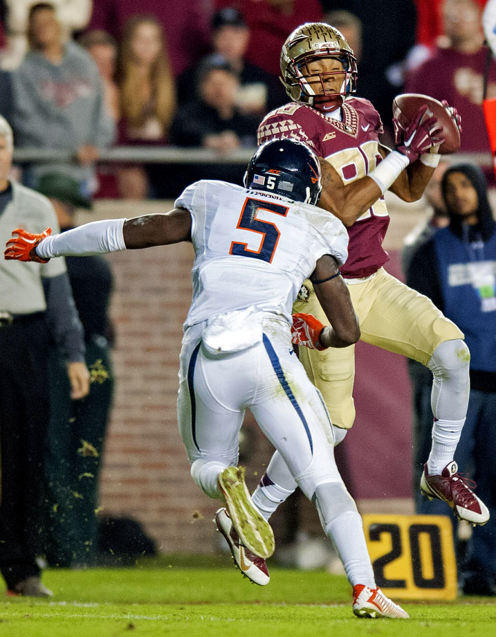 After falling behind at the end of the first quarter, the Seminoles used three second-quarter touchdowns to jump out to a comfortable lead they never relinquished. Greene hauled in 13 passes for 136 yards and a touchdown to lead the offense.