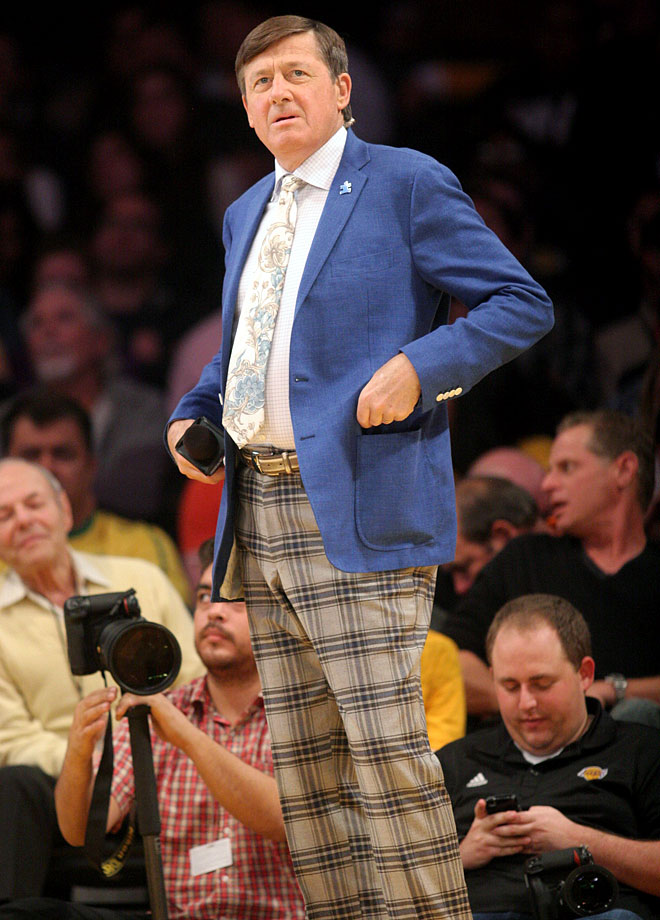 Craig Sager looks on during the Los Angeles Lakers game against the Portland Trail Blazers on April 1, 2014 at Staples Center in Los Angeles.