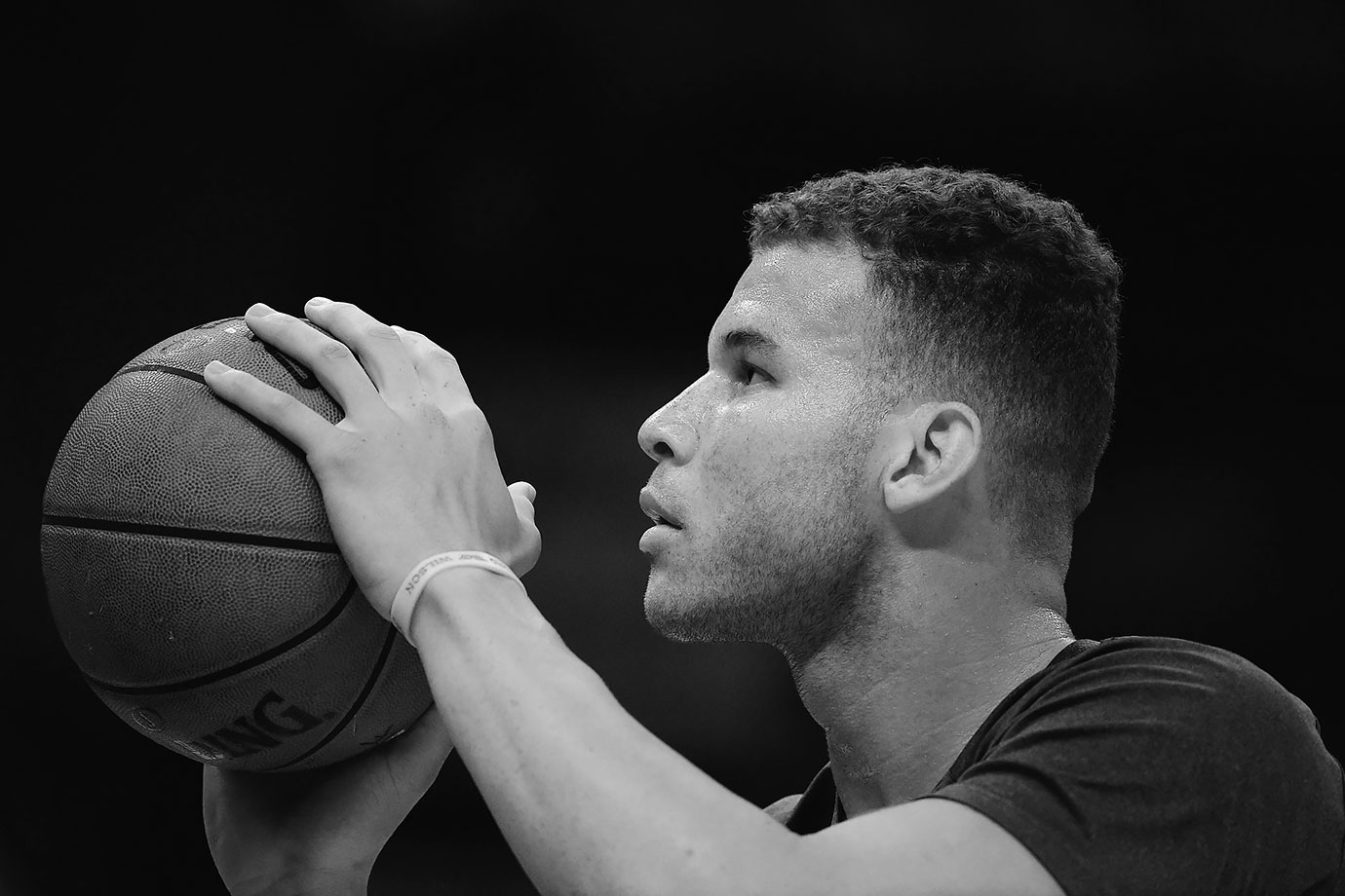 Blake Griffin warms up before Clippers-Spurs playoff game in L.A.