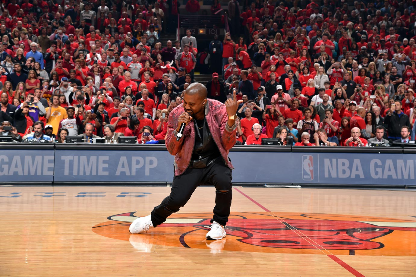 May 10, 2015: Chicago Bulls vs. Cleveland Cavaliers at United Center in Chicago — Eastern Conference Semifinals, Game 4