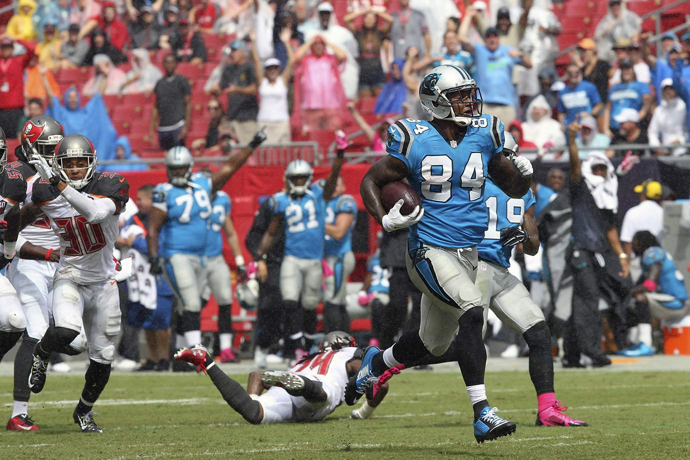 The following week, it was the Panthers who jumped out to a 10-0 lead, fueled by another Josh Norman interception returned for a touchdown, his second on the year. The Panthers never looked back, adding Ed Dickson's 57-yard fumble return for a touchdown in the third quarter, and two Ted Ginn Jr. receiving touchdowns as well in a 37-23 win over the Tampa Bay Buccaneers. Carolina went into its bye week with a 4-0 record and momentum.