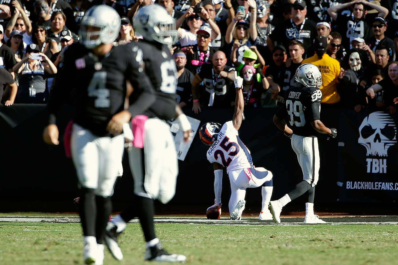 Once again Manning threw two interceptions and the defense had to preserve the win over the Oakland Raiders. McManus hit three field goals, giving Denver a 9-7 lead in the fourth quarter. With the Raiders driving, cornerback Chris Harris intercepted Derek Carr's pass and returned it 74 yards for a touchdown. Oakland managed to get a field goal, but nothing else, and the Broncos won 16-10.