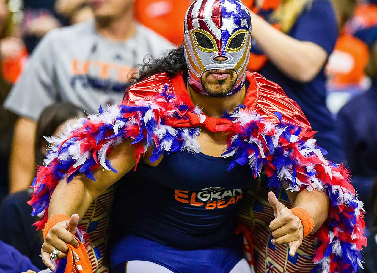 The Texas-San Antonio Roadrunners are fortunate to have this patriotic luchador on their side.
