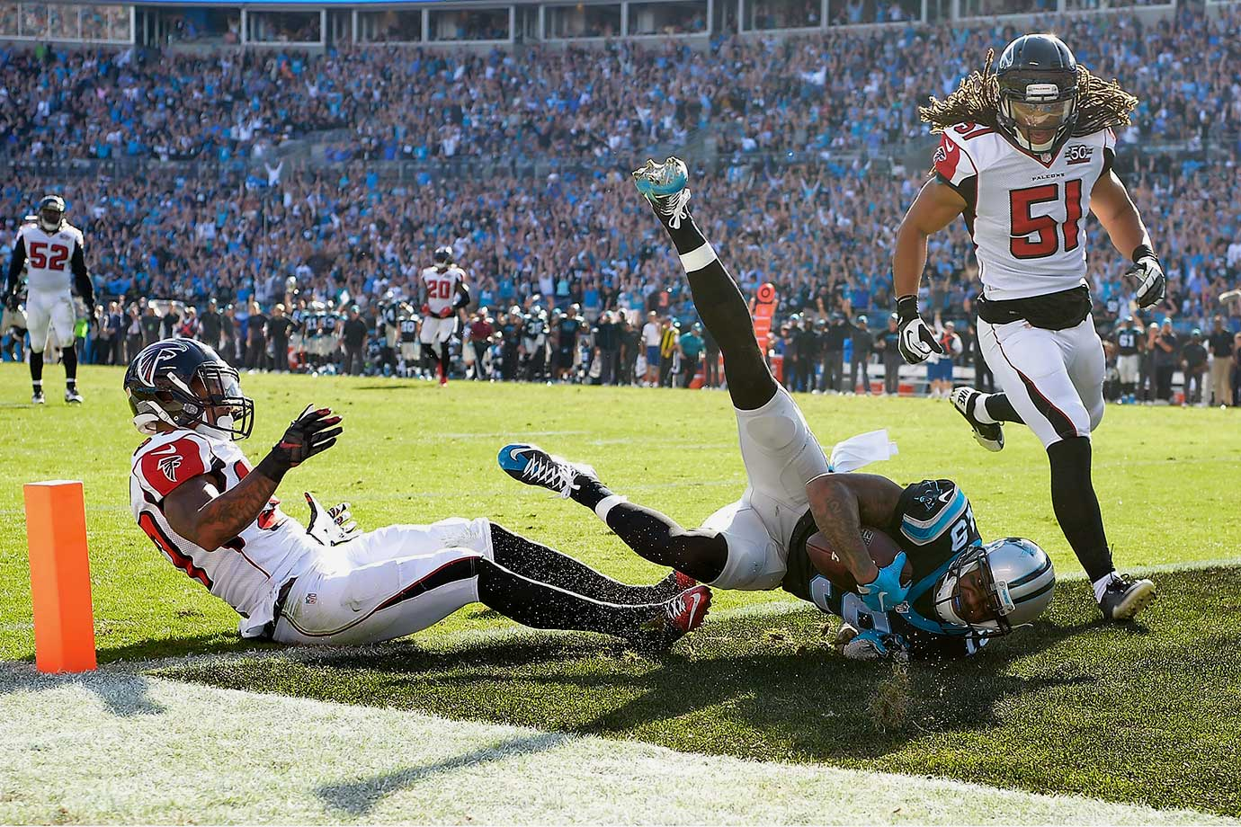 A division matchup with the Atlanta Falcons ended in a dominant 38-0 victory for Carolina. Two long touchdown passes to Ginn—74 and 46 yards, respectively—gave Carolina a 21-0 first-quarter lead. The Panthers never looked back, adding Ed Dickson and Fozzy Whittaker touchdowns to beat the Falcons 38-0.