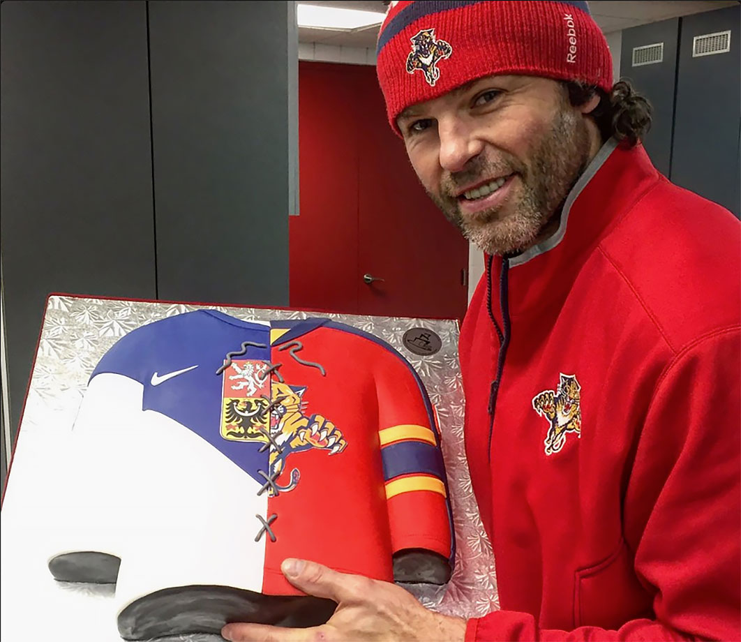 NHL legend Jaromir Jagr turned 44 on Feb. 15, 2016, and the Florida Panthers gave him a cool cake that combined his Panthers jersey with his Czech national team sweater.