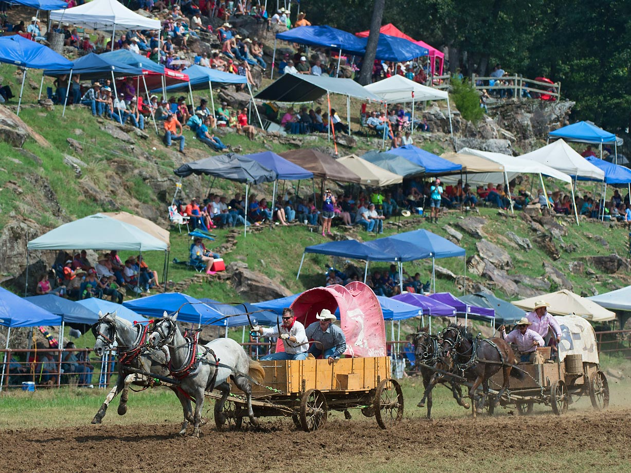 Classic Wagon teams vie for position in front of the crowd. Over 20,000 people were in attendance throughout the weekend.