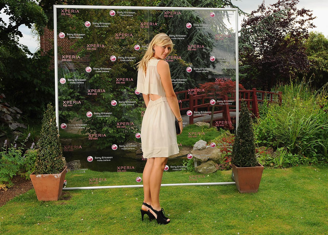 Sharapova attends the pre-Wimbledon party at the Kensington Roof Gardens on June 17, 2010, in London.