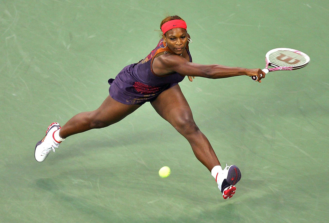 Recovering from a knee injury, Serena didn't win a single tournament in 2006 and finished the year ranked 95th in the world.