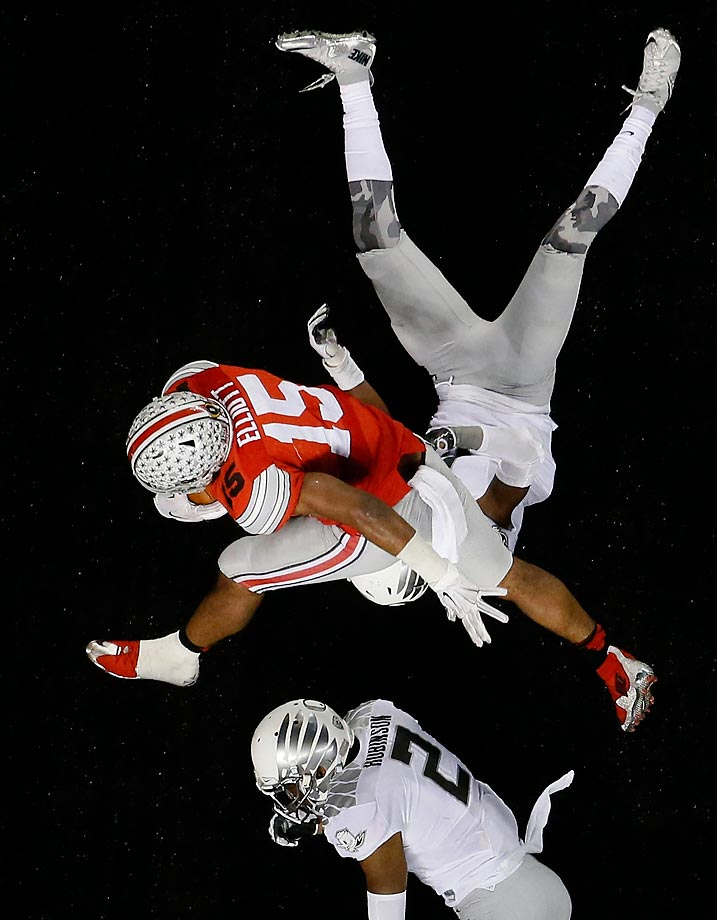 An overhead shot of Ohio State's Ezekiel Elliott running for a 9-yard touchdown against Oregon.