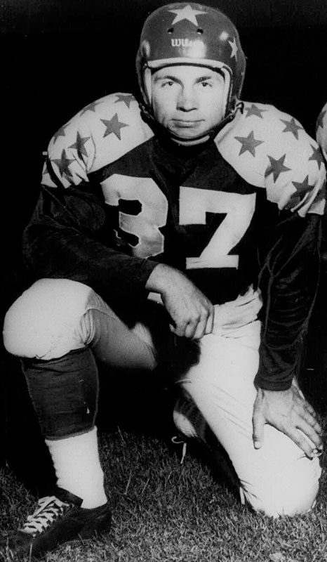 An all-everything player for SMU — he played running back, defensive back, punted and returned kicks, among other things — Walker won the Heisman in 1948 and was a three-time All-America. In one memorable 1947 game against Texas Christian, he had runs of 80, 61 and 56 yards. — Runner-up: Creighton Miller, HB, Notre Dame (1941-43)
