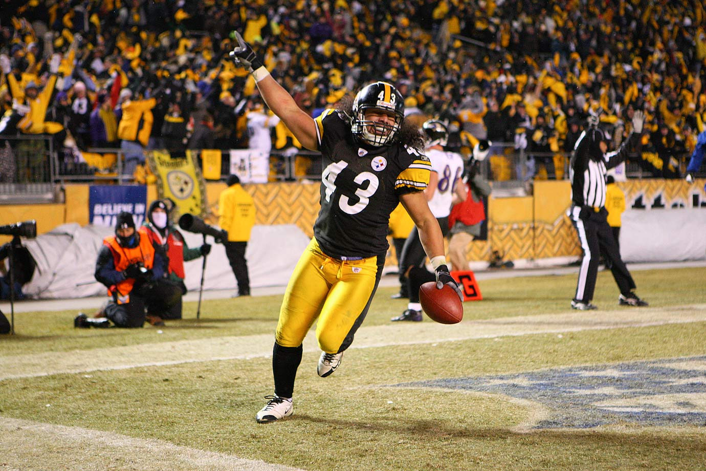 It is impossible to talk about safeties in the modern era without discussing Polamalu's impact. How many touchdowns did he save the Steelers? How many games did he alter with one timely, amazing play? Polamalu will be in the Hall, though the clock just started ticking with his retirement this off-season.​
