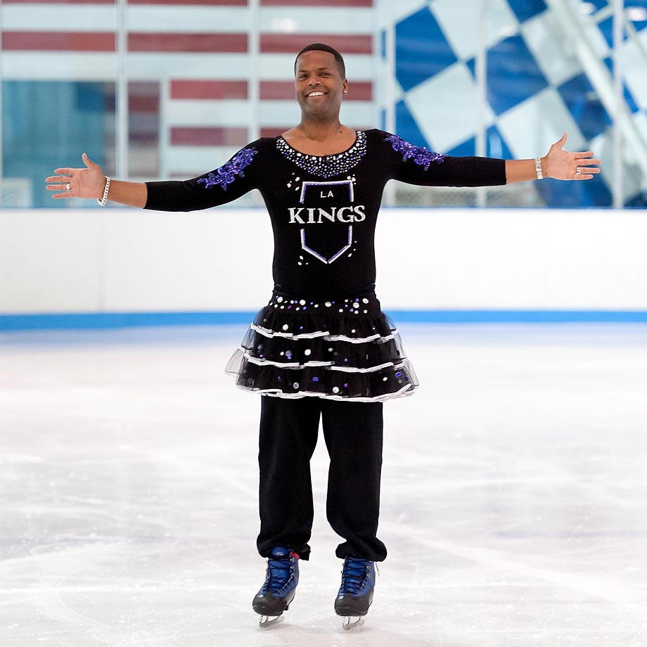 The wages of sin: Extra's AJ Calloway placed a bet on the Rangers to win the Stanley Cup and paid the price at Chelsea Piers' Sky Rink in New York City when Mario Lopez's L.A. Kings won the chalice. No word if he took advice from an otter.
