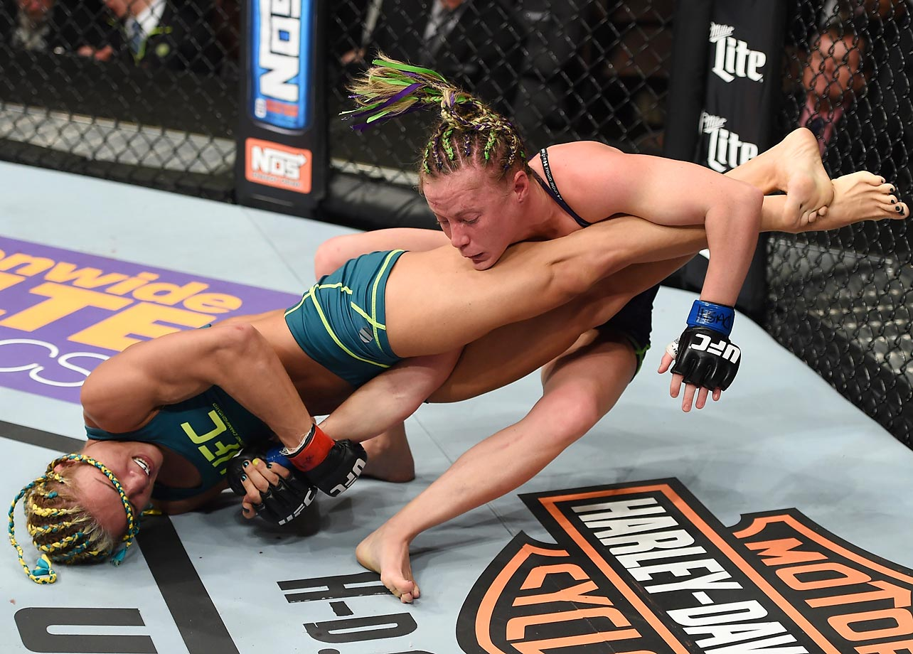 Felice Herrig (left) against Lisa Ellis in their strawweight fight at The Ultimate Fighter Finale.