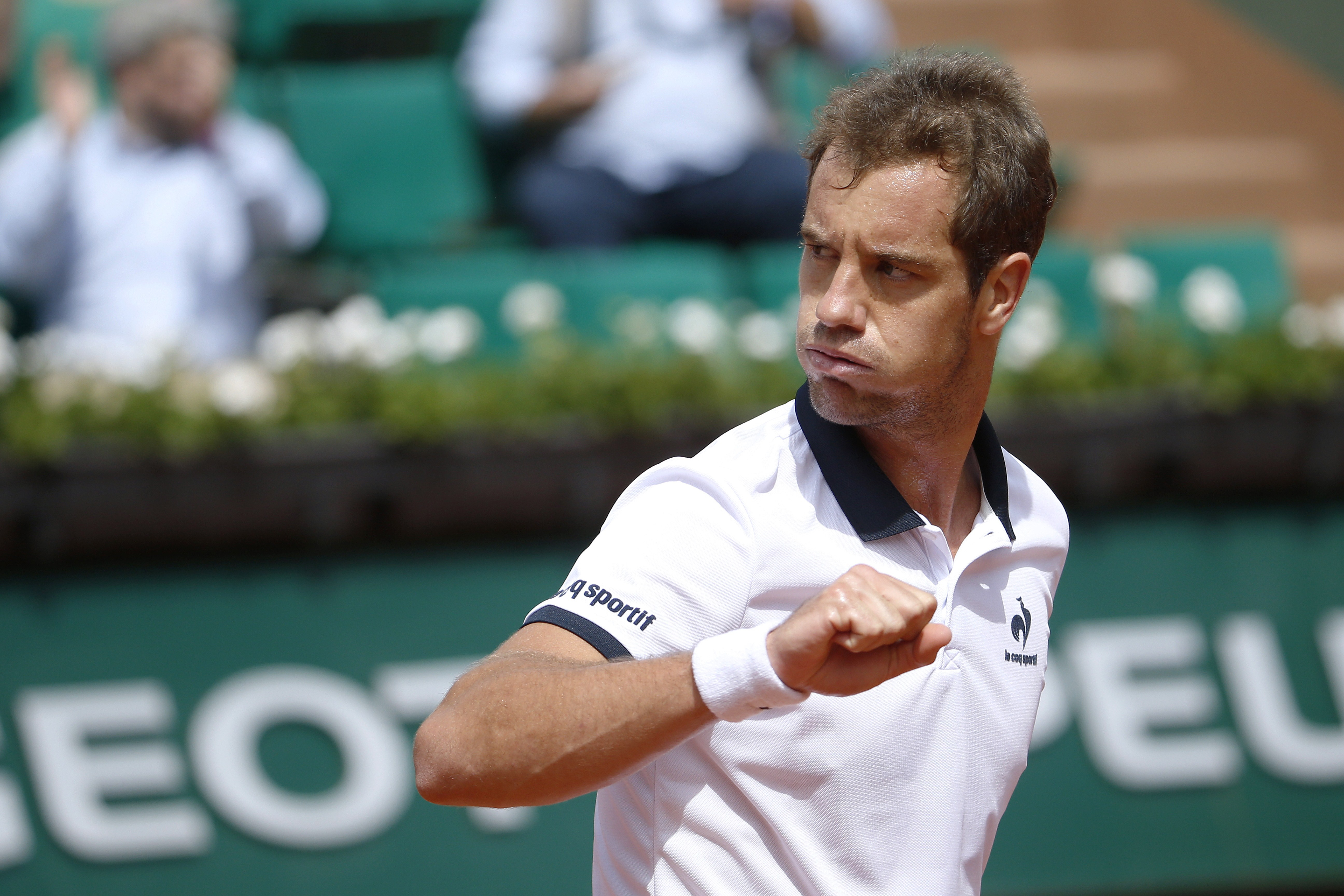 After their match was suspended for light on Thursday, Gasquet d. Berlocq.