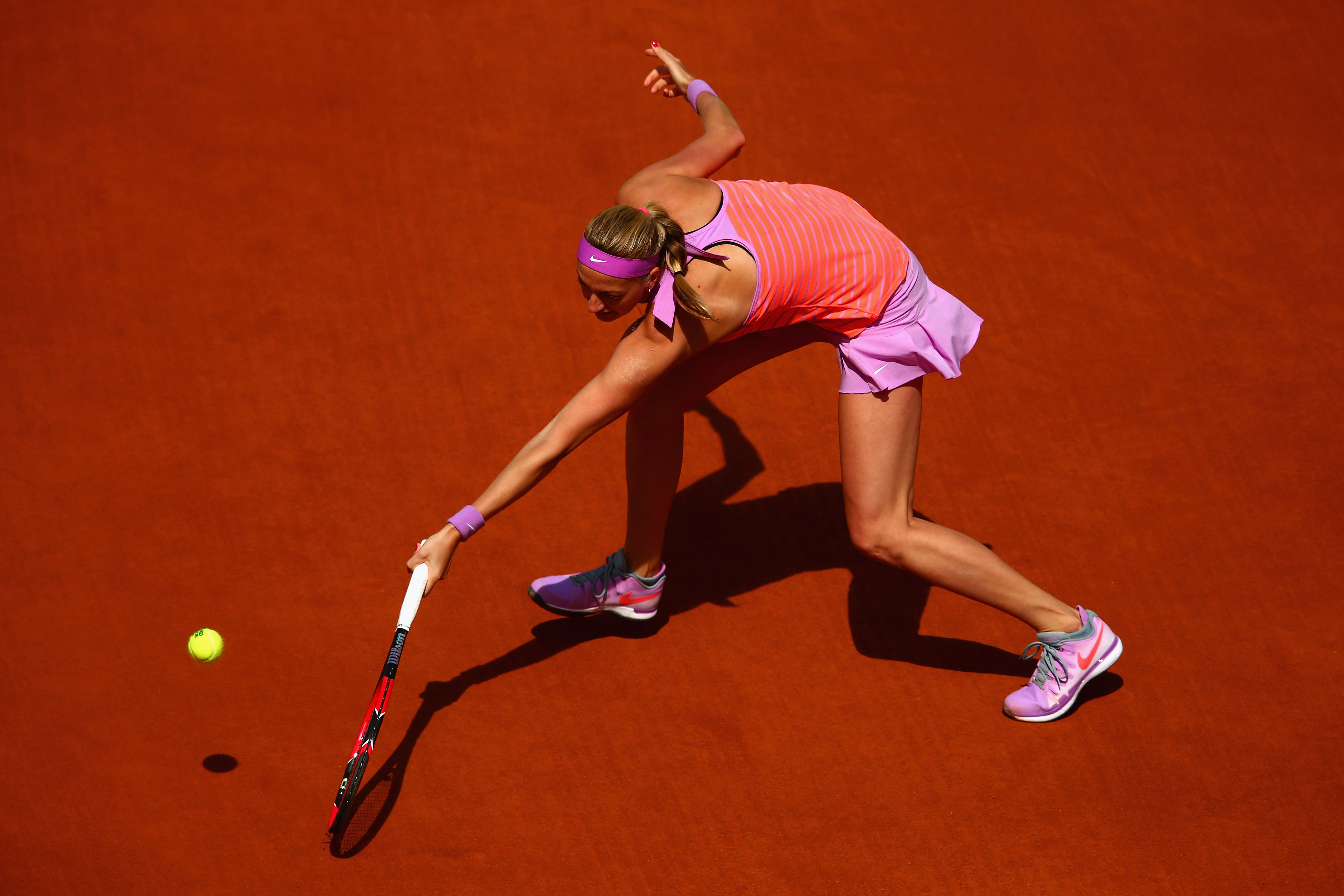 Kvitova is through to the fourth round with a 6–3, 6–2 win over Irina-Camelia Begu.