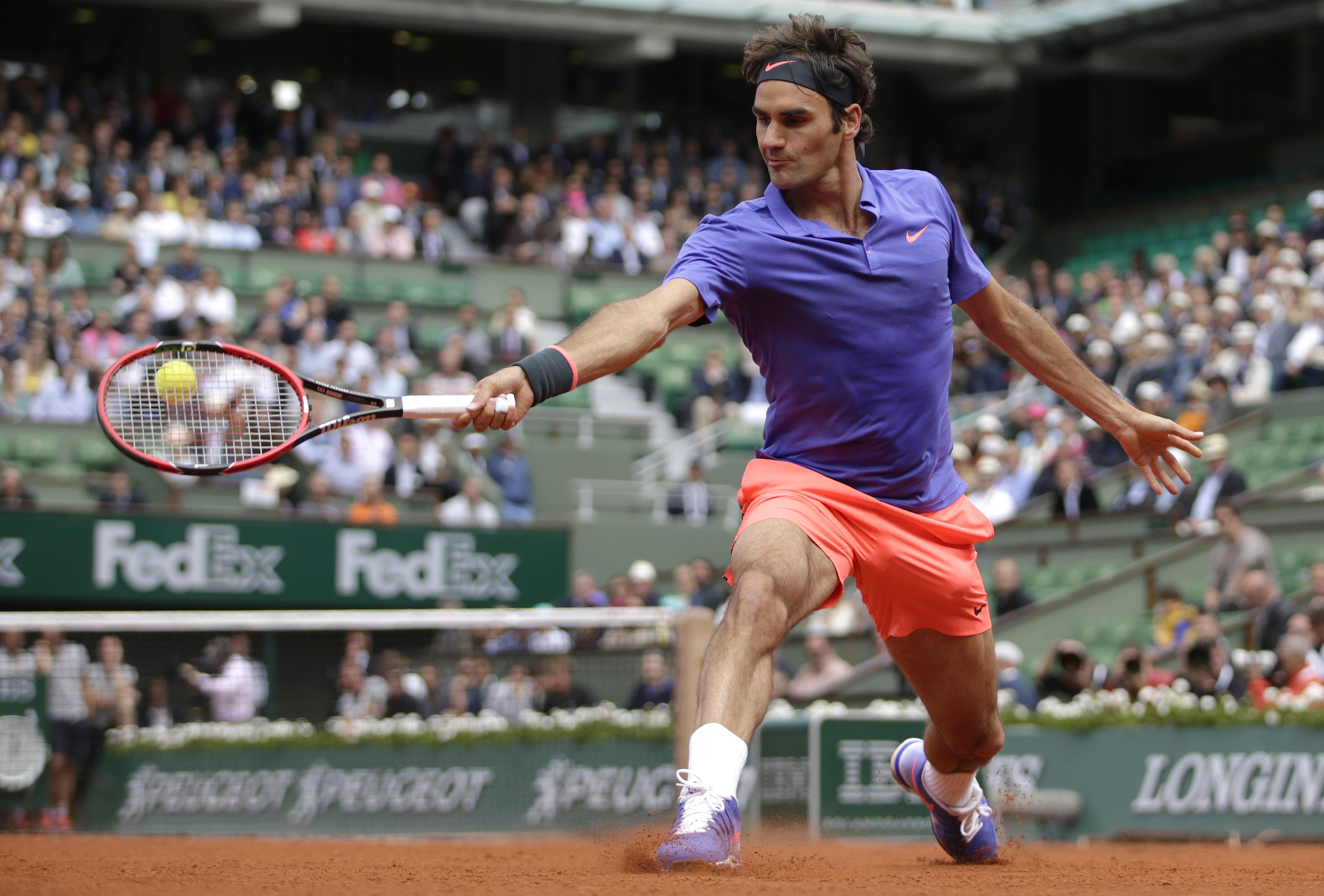Federer d. Monfils 6–4, 4–6, 6–4, 6–1.