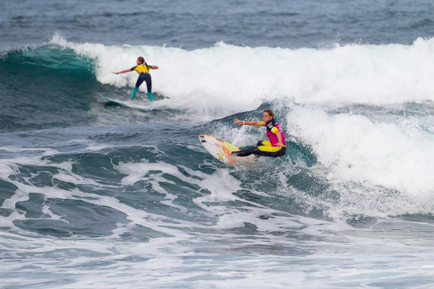 Courtney Conlogue surfs to victory during the first round of the tournament with a mark of 15.00.