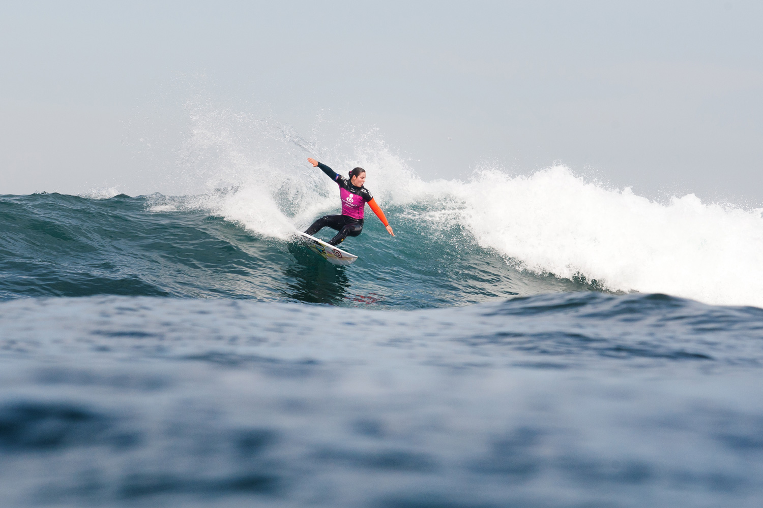 Tyler Wright placed second in her Rip Curl Pro first round heat with a score of 10.94.