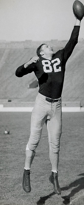 Hart never lost a game (36-0-2) during his time in South Bend. He was a three-time All-America and the winner of the 1949 Heisman. — Runner-up: Ozzie Newsome, TE, Alabama (1974-77)
