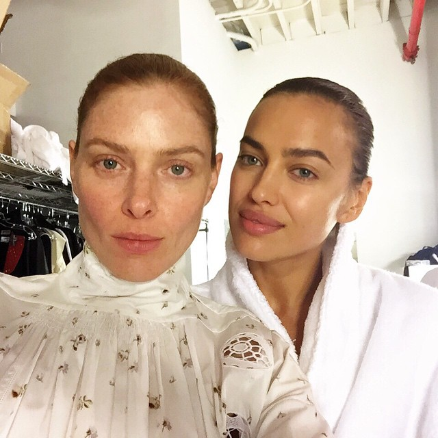 Behind the scenes with my fellow Lioness @siribandhu for @double_magazine @mariecbchaix #roeethridge #givingface