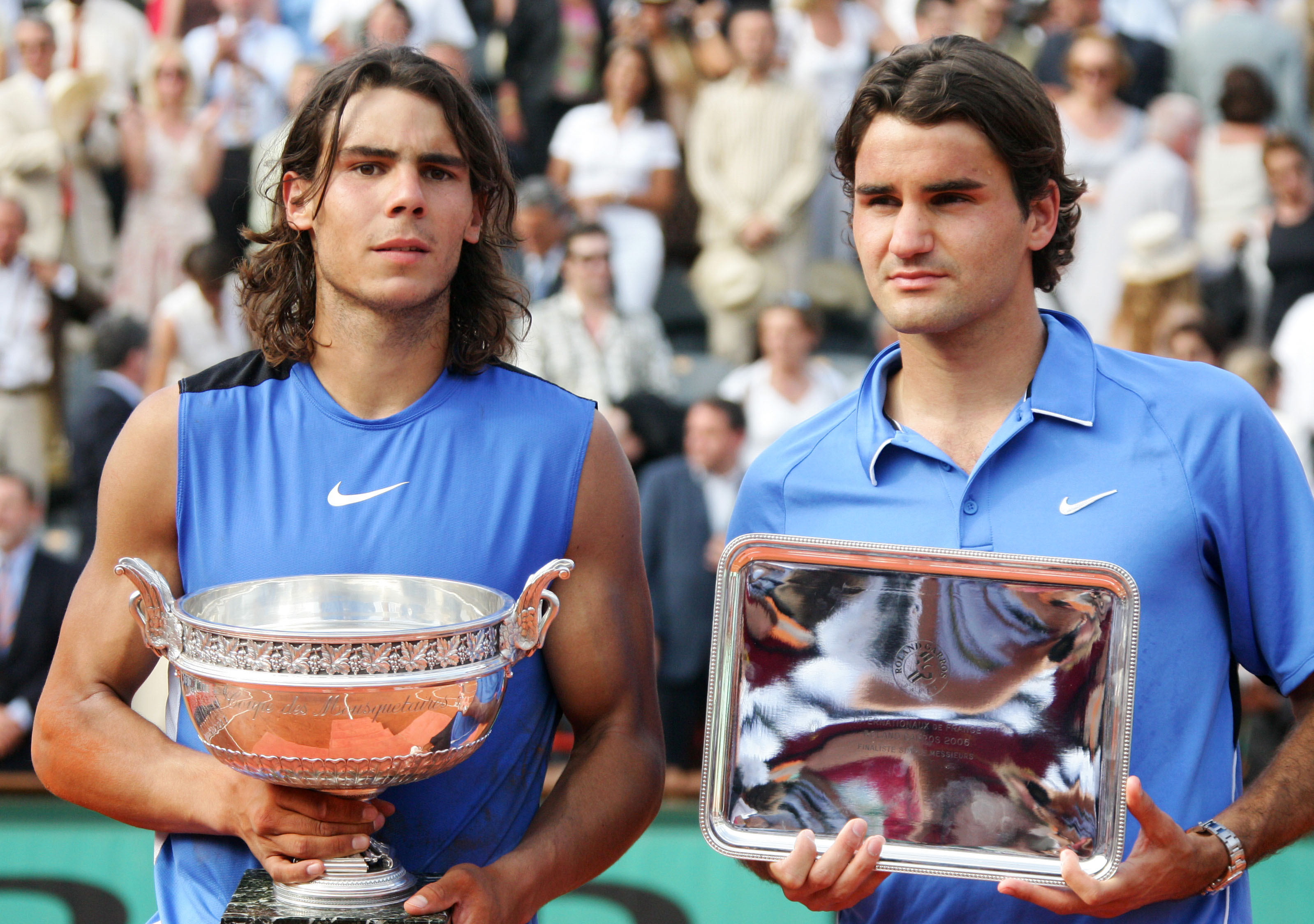 ...and Roger Federer-matching blue in the front. And with that, never again did Nike try to make two kits out of one swath of fabric for its two male stars.