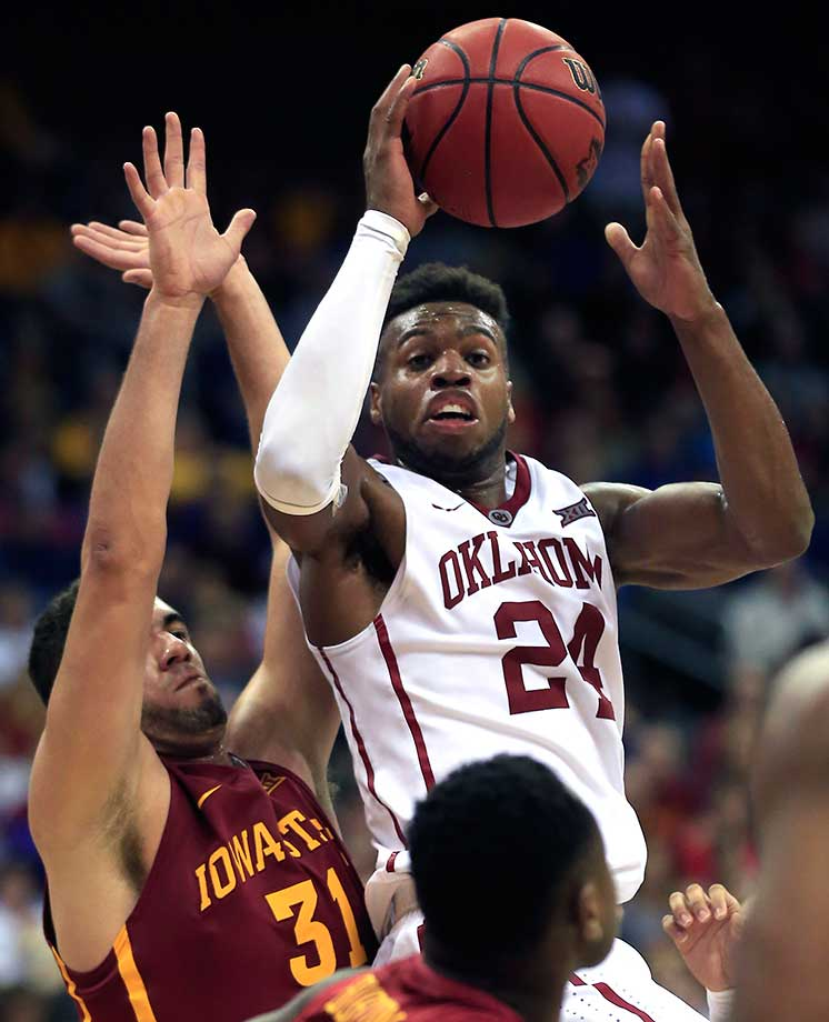 Oklahoma guard Buddy Hield scored 39 of his team's 79 points in a win over Georges Niang and Iowa State.