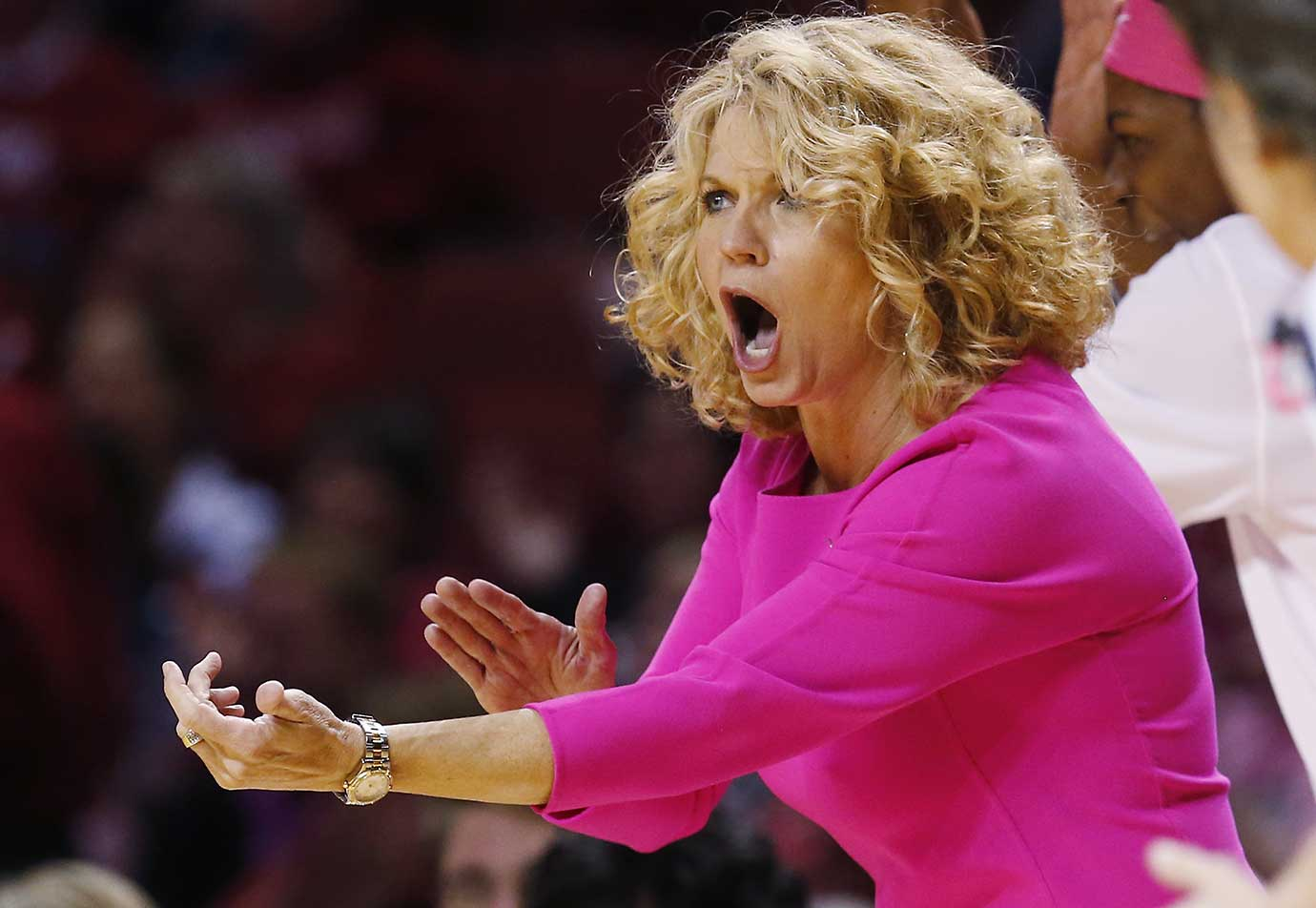 Oklahoma head coach Sherri Coale shouts to her team in the fourth quarter of a 78-70 home loss to Baylor.