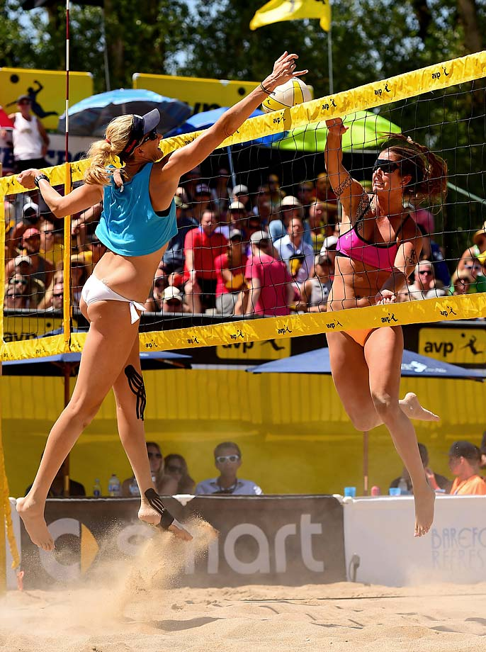 Kerri Walsh Jennings blocks Brooke Sweat during the finals. Kerri recorded 11 blocks over the weekend.
